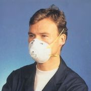 3M Dust respirator with Cool Flow valve (8812) conforming to standard EN149:2001 FFP1