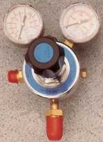 2 stage / 2 gauge gas bottle regulator.